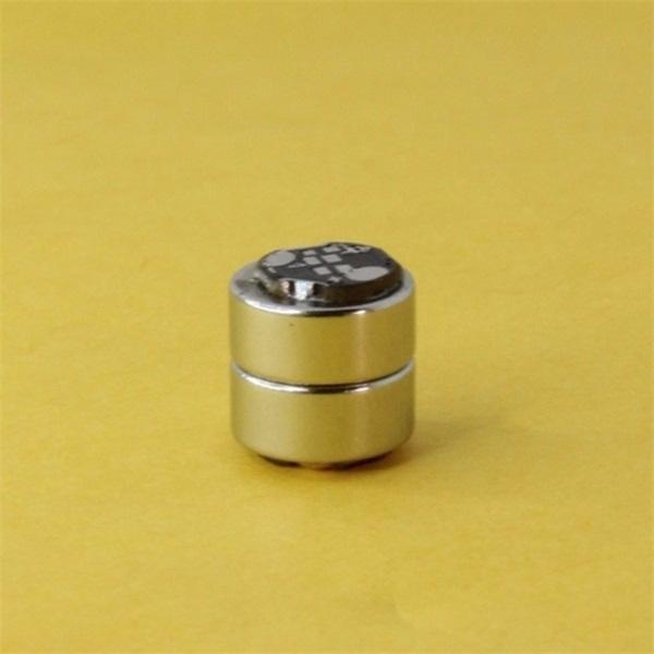 圆形磁吸充电连接器