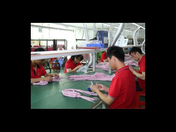 手机数据线加工厂家需要哪些生产设备-联鑫德诚