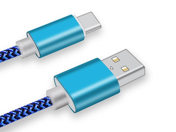 联鑫德诚浅析定制USB数据线的优点